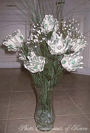 how to make flowers out of paper money